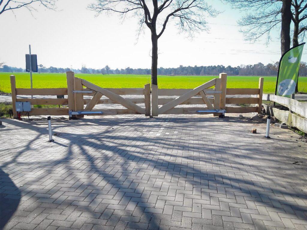 houten poorten met Fadini Kit HINDI lineaire poortopener