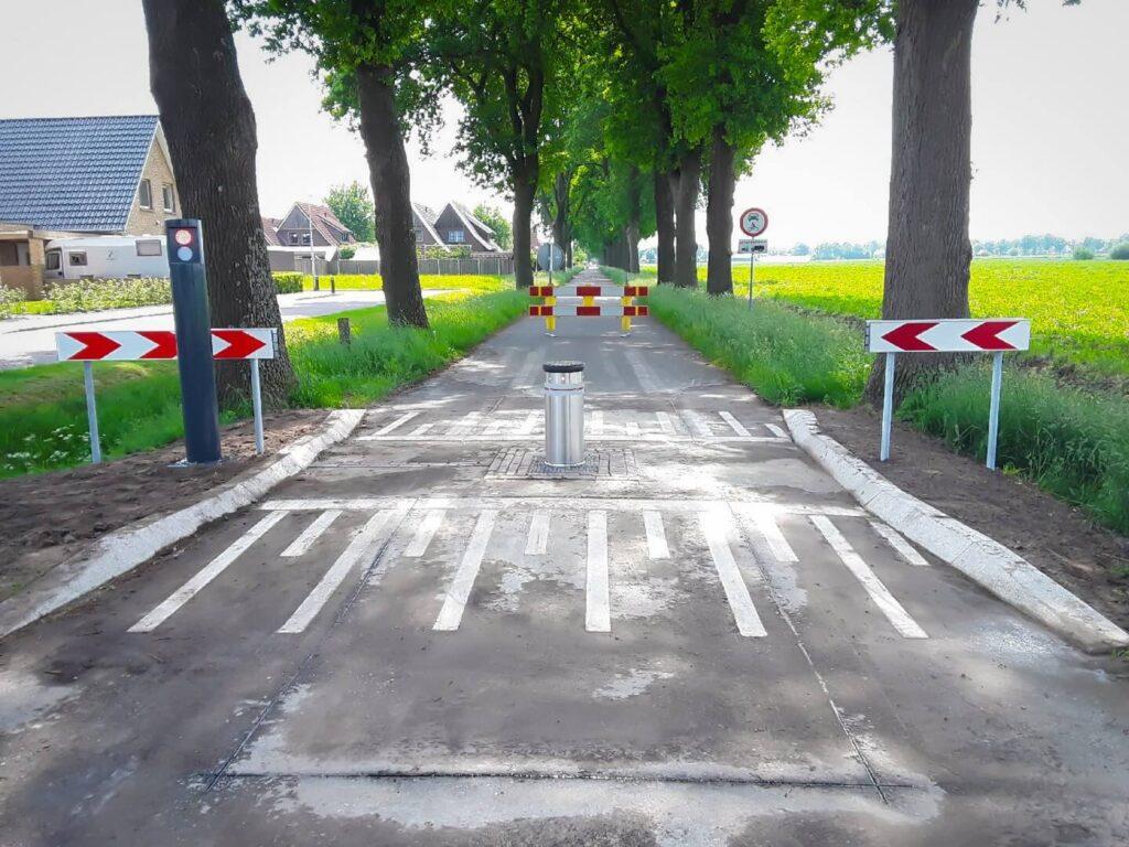 Sluiproute voorkomen - Fadini TALOS bollard met verkeerslicht