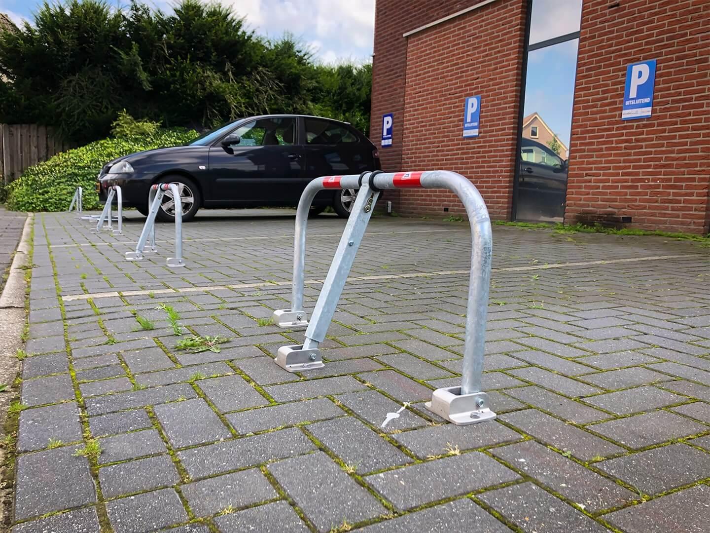Parkeerprobleem oplossen met neerklapbare parkeerbeugels